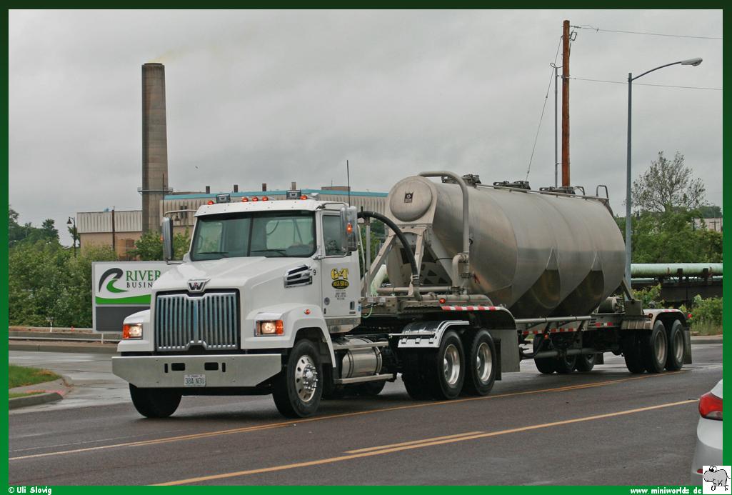 "Western Star 4700 SF ""G & T Truck Service"""